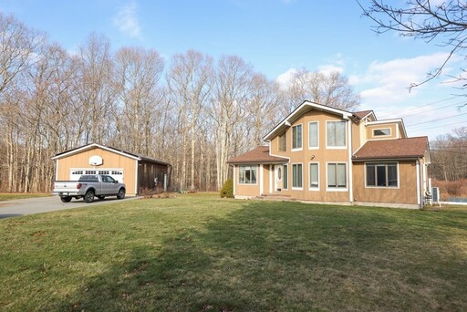 21 Wolf Hill Dr, Swansea, MA 02777 - Main Photo