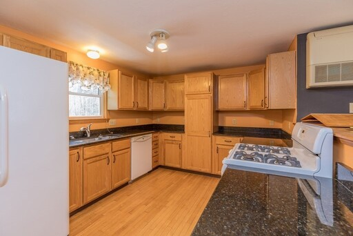 200 Hollywood St, Fitchburg, MA 01420 - Photo 8