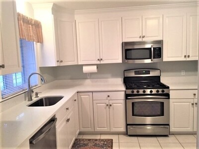 115 Union St Unit 115, Franklin, MA 02038 - Photo 1