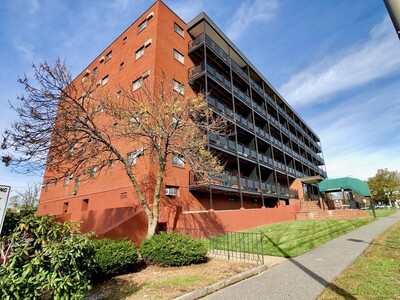 Main Photo: 585 Revere Beach Pkwy Unit 302, Revere, MA 02151