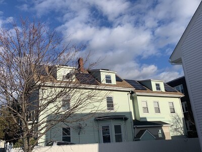 Main Photo: 10 Friend St, Lynn, MA 01902