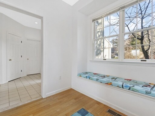 258 Bishops Forest Drive Unit 258, Waltham, MA 02452 - Photo 5