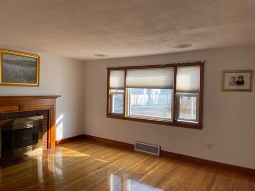 8 Howe St, Quincy, MA 02169 - Photo 9