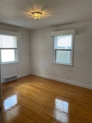 8 Howe St, Quincy, MA 02169 - Photo 10