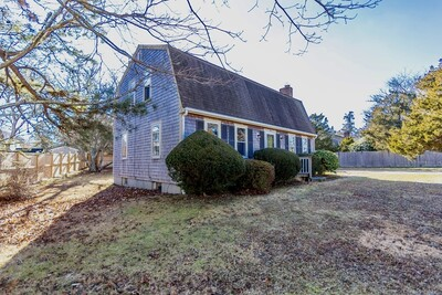 Main Photo: 15 Squibnockett Dr, Falmouth, MA 02536