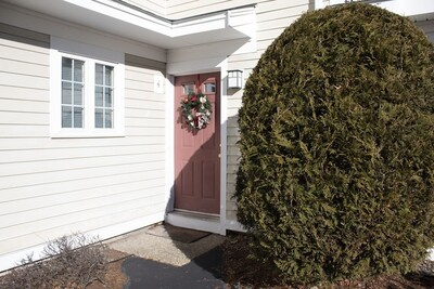 Main Photo: 4 Nancy Rd Unit 4, Easton, MA 02375