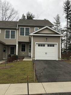 Main Photo: 2A Maple View Unit 2A, Agawam, MA 01001