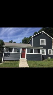 Main Photo: 98 Petty Plain Rd, Greenfield, MA 01301