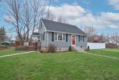 Main Photo: 15 Wheatfield Ave, Swansea, MA 02777