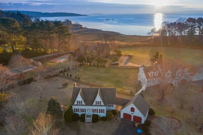 Main Photo: 21 Hicks Point Rd, Duxbury, MA 02332
