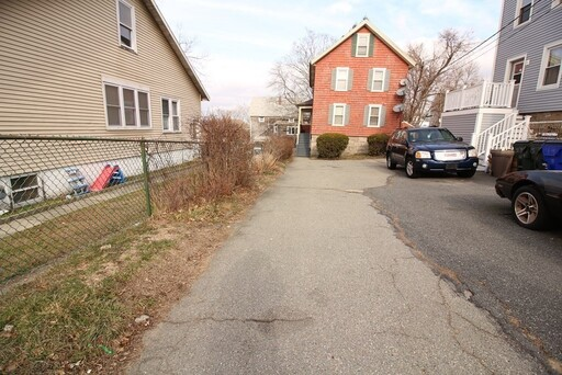 36 French St, Fall River, MA 02720 - Photo 4