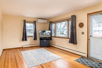 51 Ferncliff Ave, Springfield, MA 01119 - Photo 1
