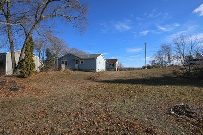 11 Black Point Rd, Webster, MA 01570 - Photo 1