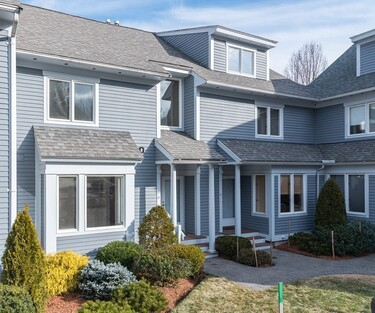 Main Photo: 8 Landing Dr Unit 8, Methuen, MA 01844