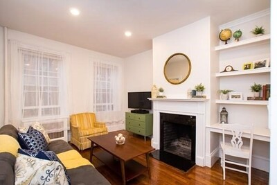Main Photo: 45 Garden St Unit 3, Beacon Hill, MA 02114