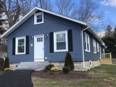 Main Photo: 17 Spring St, West Bridgewater, MA 02379