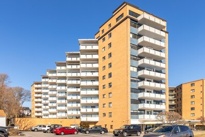 Main Photo: 300 Lynn Shore Dr Unit 306, Lynn, MA 01902