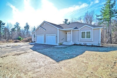 Main Photo: 15 Village Road Unit 15, Paxton, MA 01612