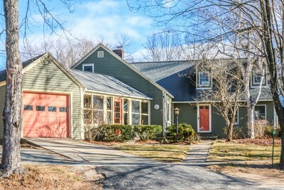 Main Photo: 2 Lakeview Avenue, Granby, MA 01033