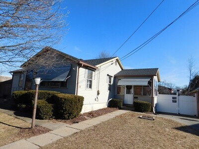 Main Photo: 20 Worcester St, Ludlow, MA 01056