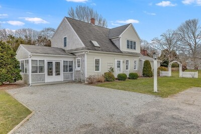 Main Photo: 115 Queen St, Falmouth, MA 02540