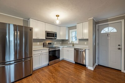Main Photo: 11 Scenic Ave, Webster, MA 01570