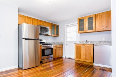 Main Photo: 162 Cottage St, Everett, MA 02149