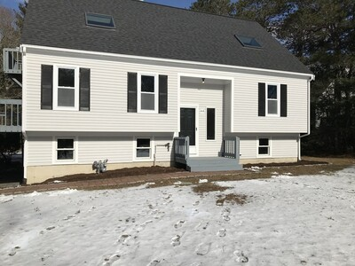 Main Photo: 44 Seabrook Dr, Falmouth, MA 02536