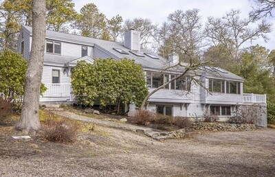 Main Photo: 10 Meadow Neck Rd, Falmouth, MA 02536