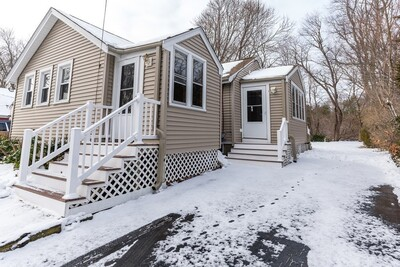 Main Photo: 10 English Rd, Holbrook, MA 02343