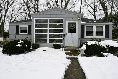 Main Photo: 30 Knowles Rd, Worcester, MA 01602