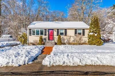 Main Photo: 26 Roseen Road, Holbrook, MA 02343