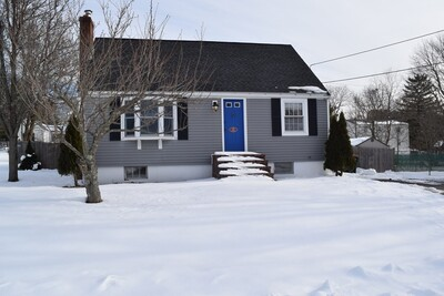 Main Photo: 11 Roosevelt Rd, Holbrook, MA 02343