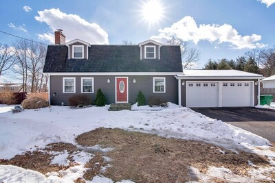 Main Photo: 61 Moreau Dr, Chicopee, MA 01020