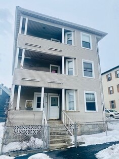 13 Barclay St, Worcester, MA 01604 - Photo 1
