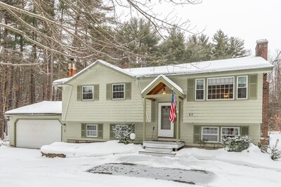 27 Spaulding St, Townsend, MA 01469 - Photo 1