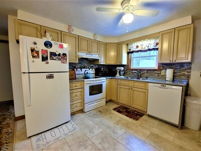 172 Perry Ave Unit 1A, Worcester, MA 01610 - Photo 1