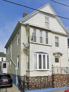 81 Dartmouth Street, New Bedford, MA 02740 - Photo 1