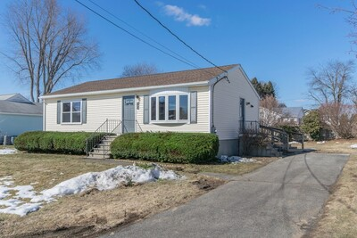 Main Photo: 92 Freedom St, Chicopee, MA 01013