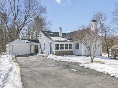 Main Photo: 31 W Division St, Holbrook, MA 02343