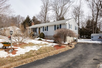 Main Photo: 39 Juniper Lane, Rutland, MA 01543