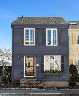 Main Photo: 113 Front St, Marblehead, MA 01945
