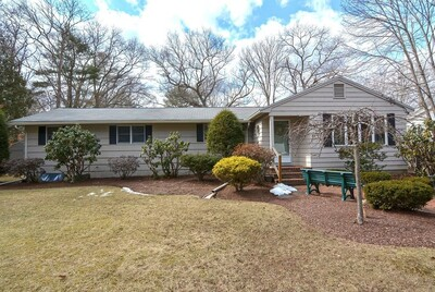 Main Photo: 4 Roger Road, Easton, MA 02375