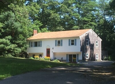 Main Photo: 4 Woodlawn Dr, Carver, MA 02330