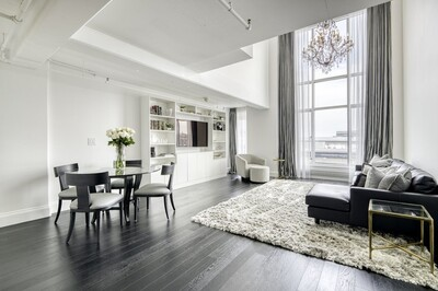 Main Photo: 25 Channel Center Street Unit 812, Waterfront, MA 02210