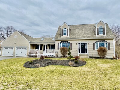 Main Photo: 235 Country Dr, Somerset, MA 02726