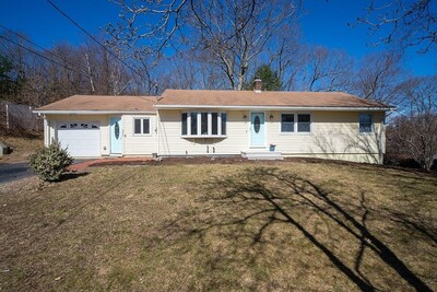 Main Photo: 448 Quinapoxet Street, Holden, MA 01522