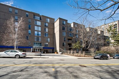 Main Photo: 99 Pond Ave Unit 801, Brookline, MA 02445