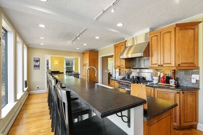43 Overbrook Dr, Wellesley, MA 02482 - Photo 1
