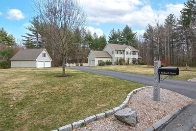 Main Photo: 3 Bicknell Dr, Mendon, MA 01756